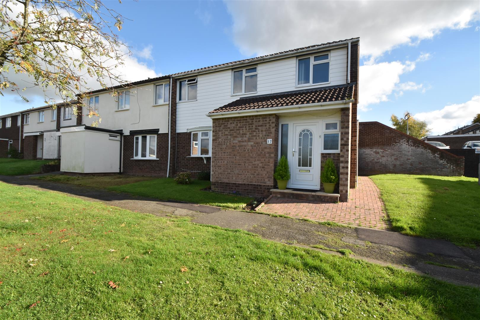 3 Bedrooms End Of Terrace House for sale in The Rye Lea, Droitwich Spa
